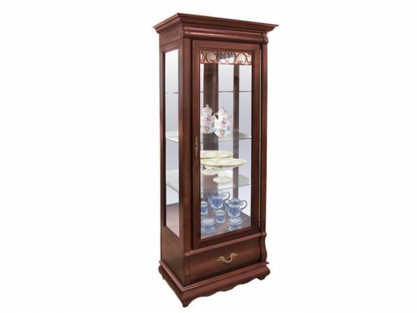 Шкаф с витриной